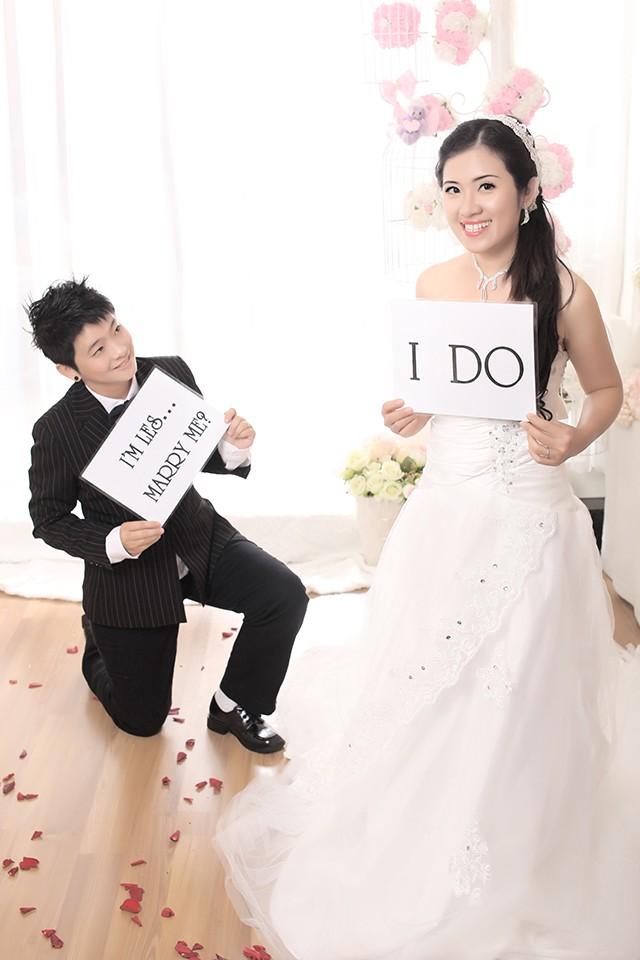 Ảnh cưới dưới nước của đôi đồng tính Ái Linh - Thanh Phương